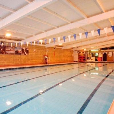 nuoto swimming summercamp vacanze studio inghilterraa viaggi studio Viva international