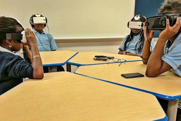 realtà virtuale come imparare l'inglese grazie al visore oculus go
